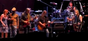 """Bob Weir joins Allman Brothers Band for Levon Helm tribute at Wanee """"The Weight"""""""